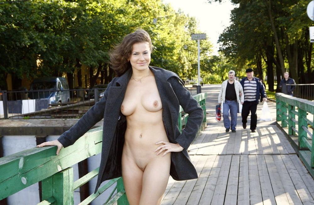 Public flash porn pic