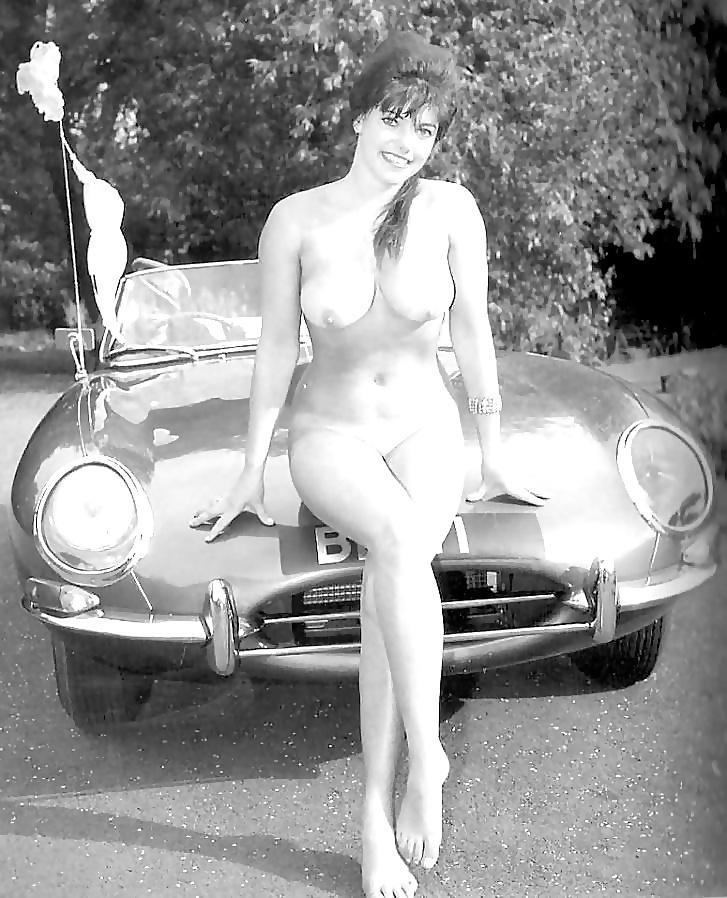 classic-car-nude