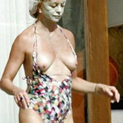 Goldie Hawn Naked