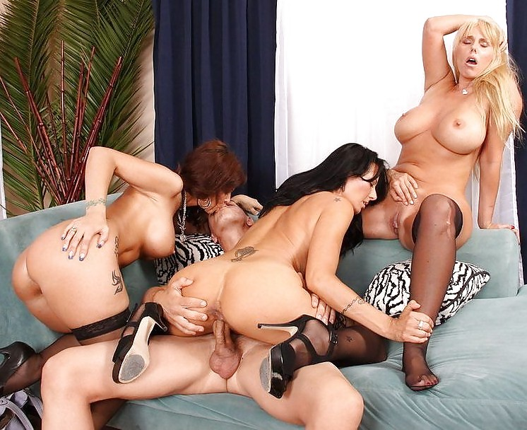 Watch Cougar Sexclub