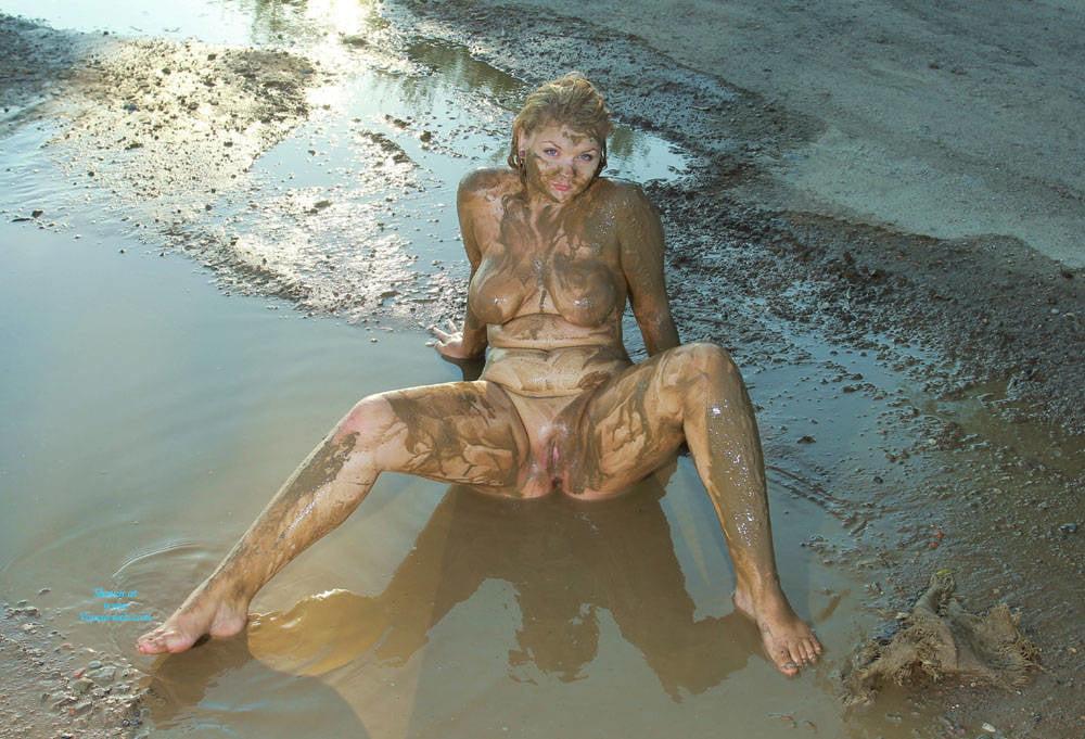 Adult online mud