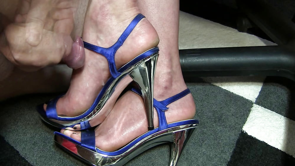 How To Walk In High Heels Without Pain