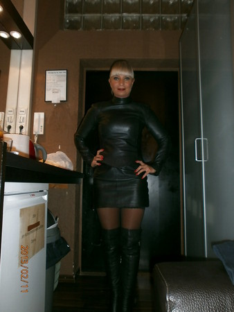 miss lady tina strapon leather mistress domina anal
