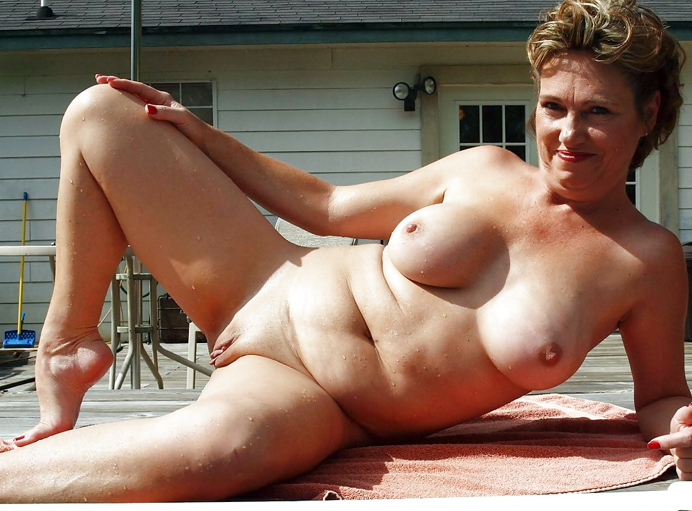 i-love-naked-older-women-swimming