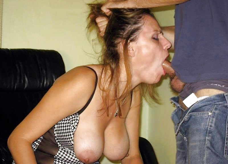 Wife lost bet gives blowjobs