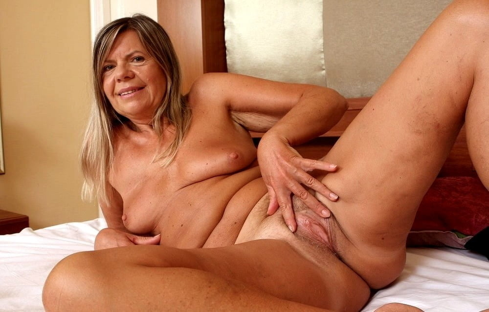 Horny older women near me-4957