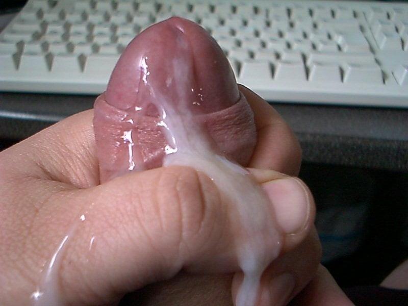 sperma-na-moih-rukah-foto-v-kontakte-v-raznih-mestah-ustraivayut-neozhidanniy