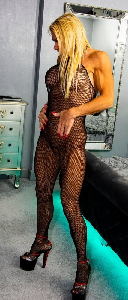 Muscle daddy bareback