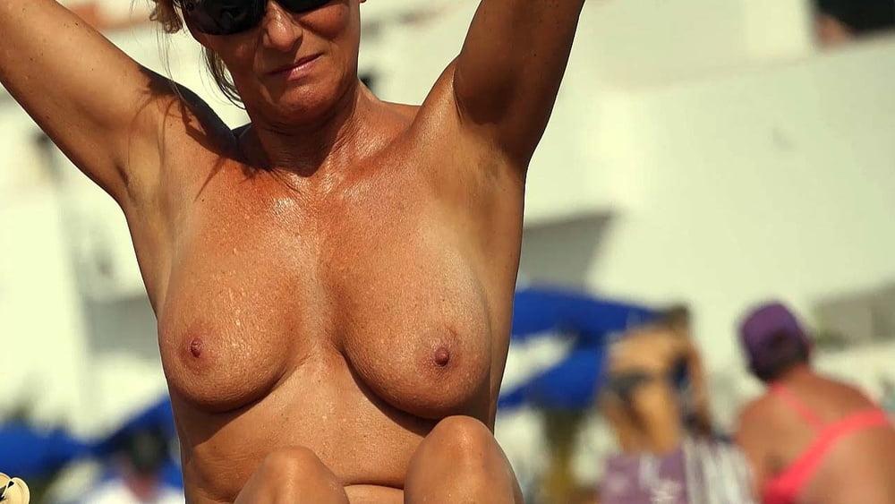 Naked Mature Women Galery