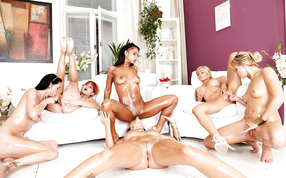 Huge lesbians orgy with a lot of toys