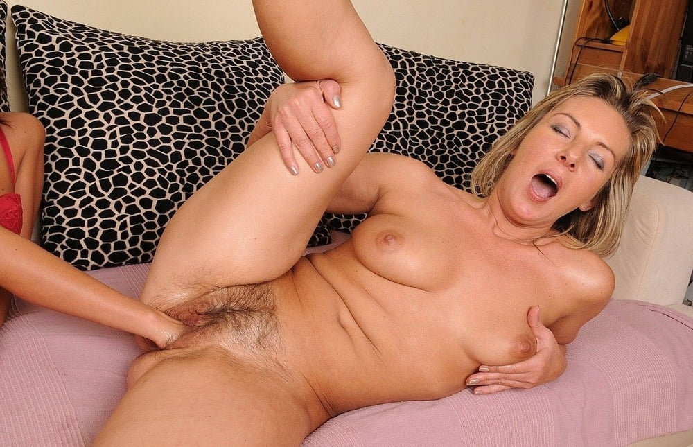 Free Real Female Orgasm Porn Galery
