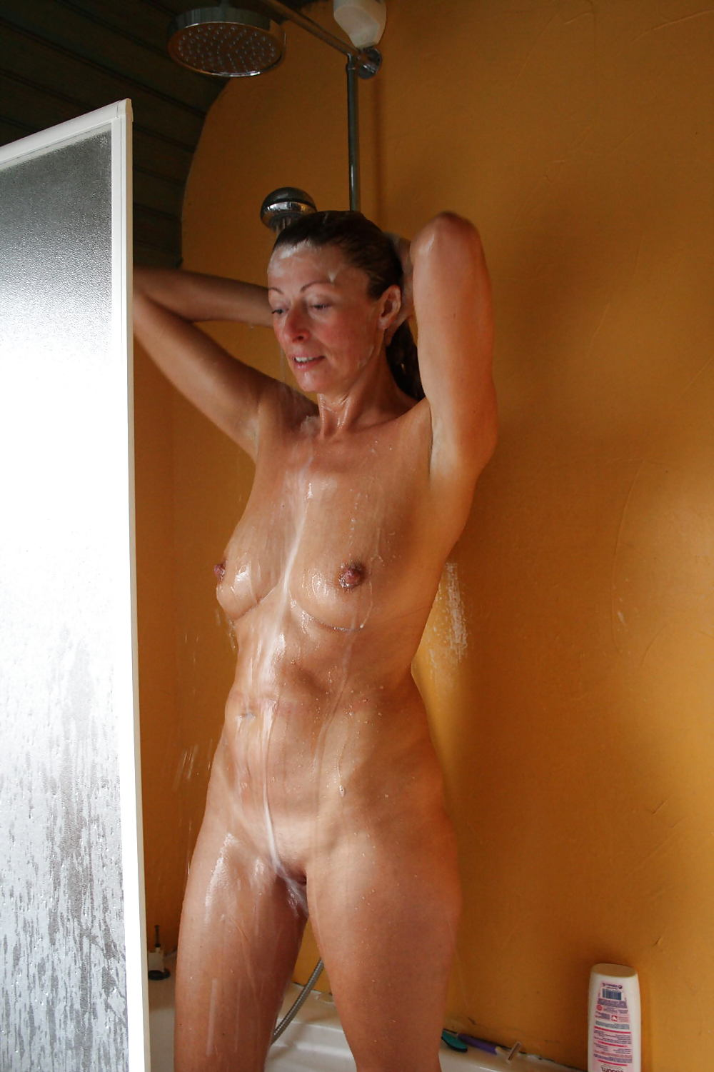 Lydie French Mature Showers - 16 Pics  Xhamster-5347