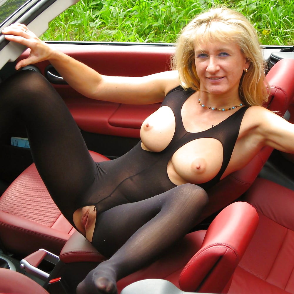 His middle aged ladys naked in cars blonde