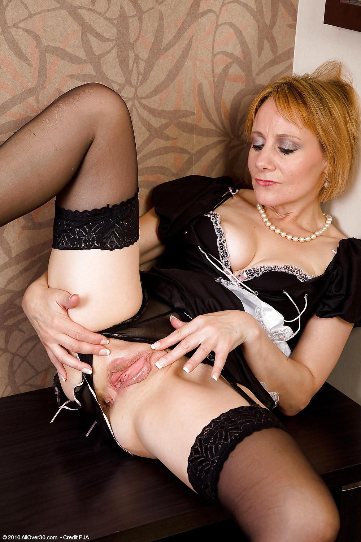 Порно фото зрелая жена в чулках 5