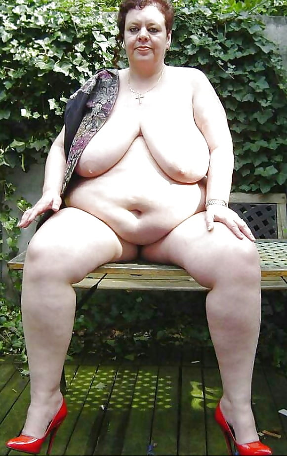 Fat granny nude photo