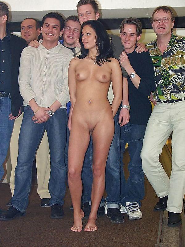 muzhchini-razdevayut-zhenshin-foto-forum-tesha-seks-zyatem-porno