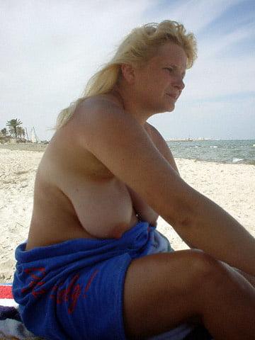 blonde nude college girls