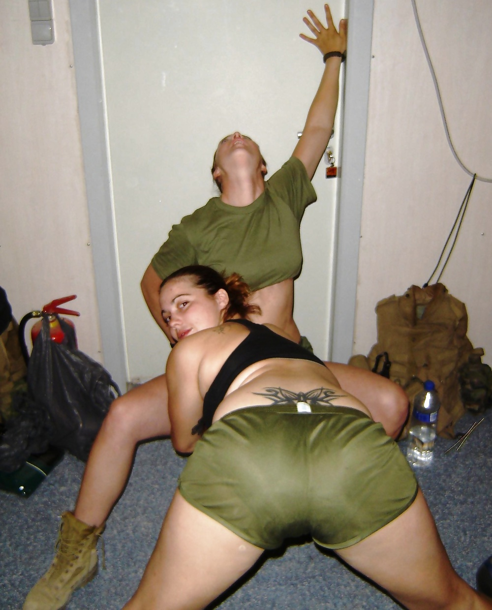 sexy-army-girl-in-iraq-from-west-virginia