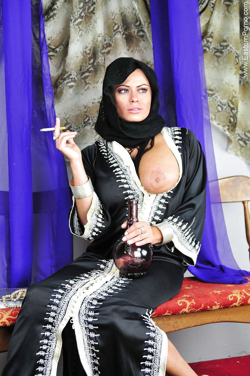 Free hot pic of middle east babes #4