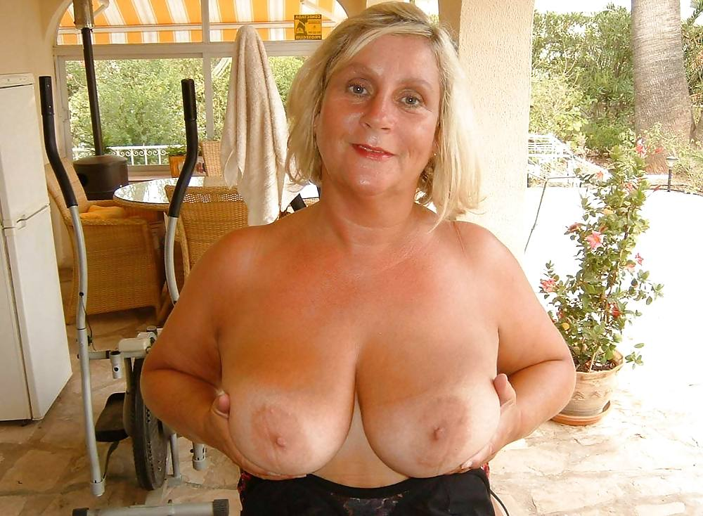 Grannies shows tits — photo 10