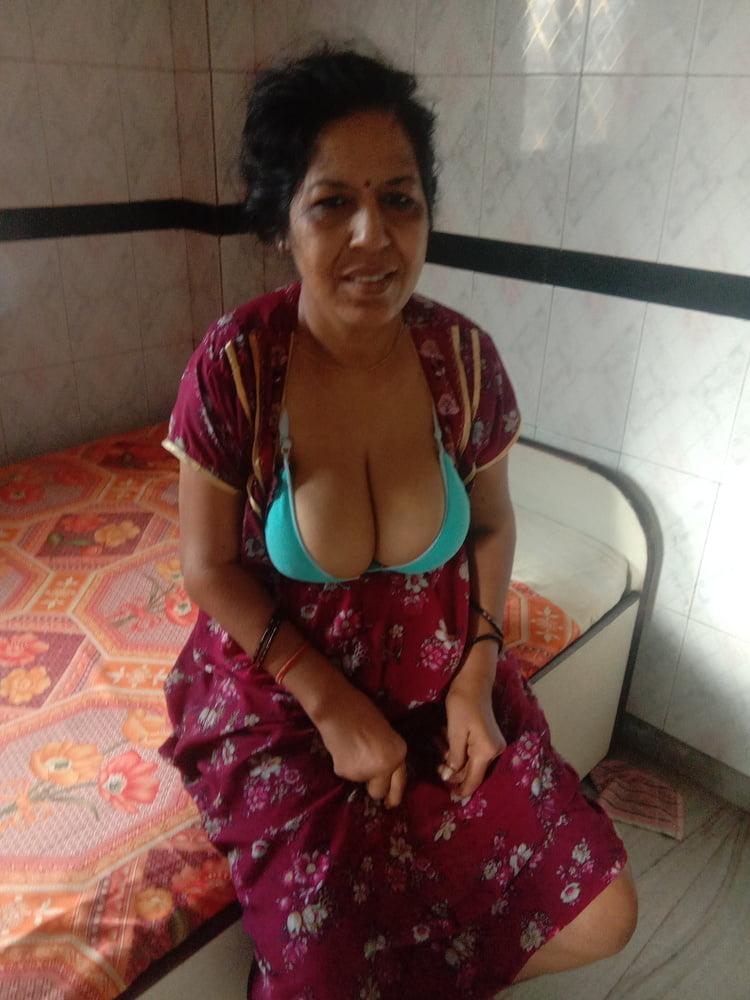Naughty sexy neighbour
