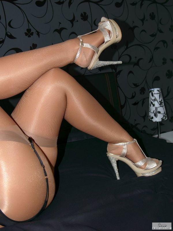 legs-pantyhose-free-sites