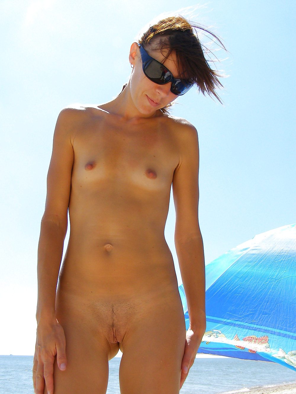 Skinny girl nude beach pics sucking guys testicals