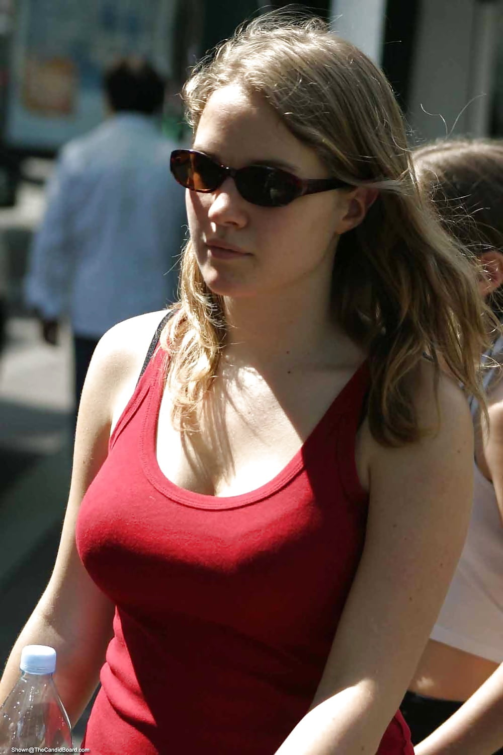 girls-candid-breasts-ass