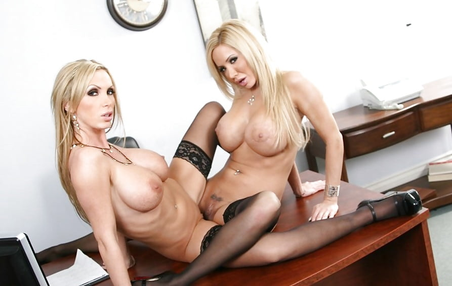 Nikki benz milf nake, video swingers party