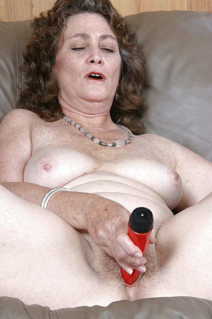 старые тетки мастурбируют и кончают видео - 11