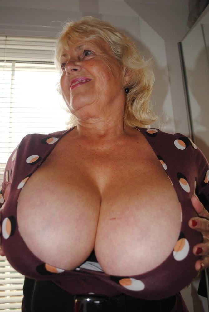 porn photo 2020 Annie sin squirt bukkake