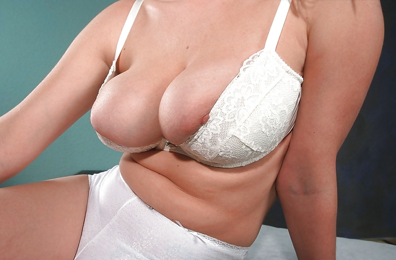 big-boobs-small-bra-free-live-vedio-blow-job-shemale