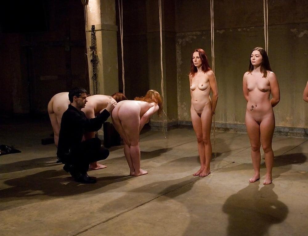 посмотреть эротические фильмы про рабынь обычным способом, представляя
