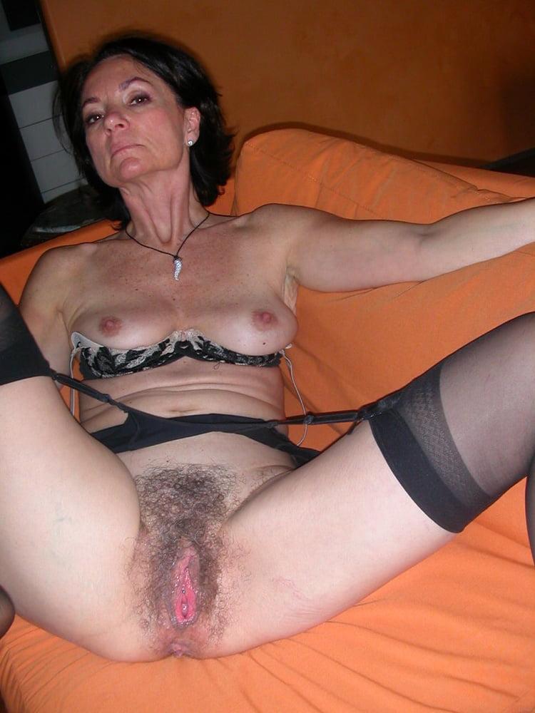 Фото порно зрелые пилотки, бачком эротический поза фото