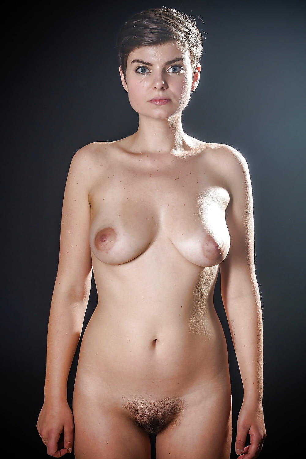 Ebony short hair nude