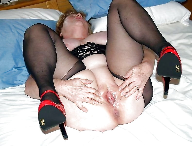 Madchen Vollbusige Leggings Femdom