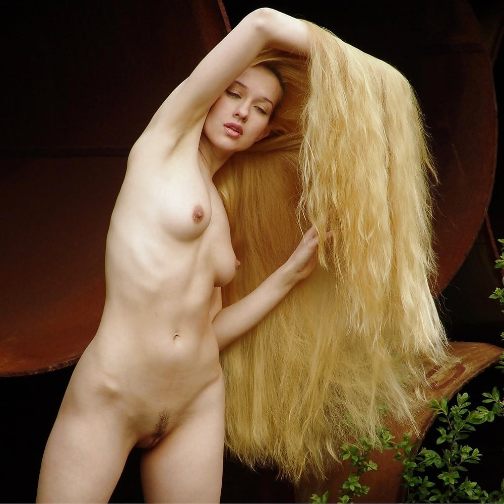 big-hair-naked-web