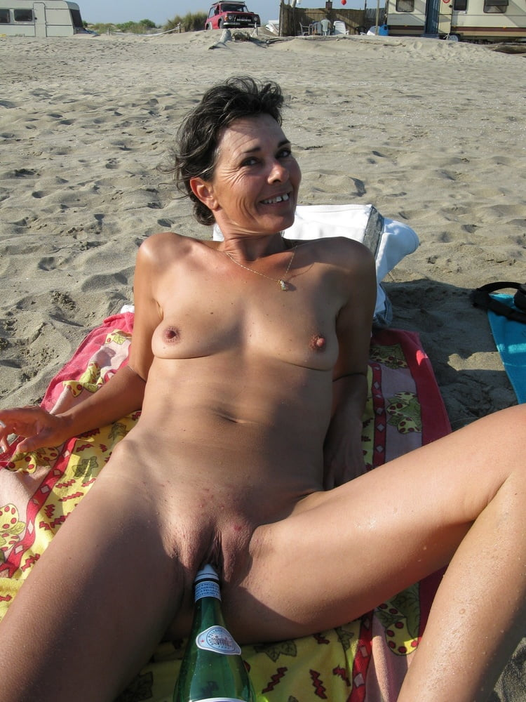 Big pussy wet naked nudist milf beach voyeur hidden cam
