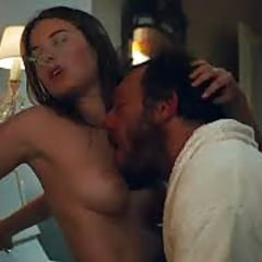 Rowe  nackt Camille Camille Rowe