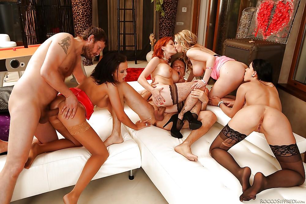 Mature group sex vid — photo 10