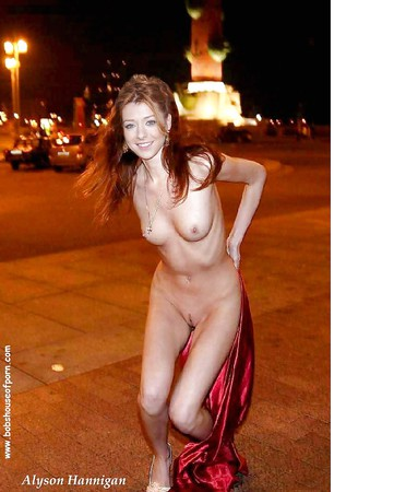 Alyson Hannigan Naked