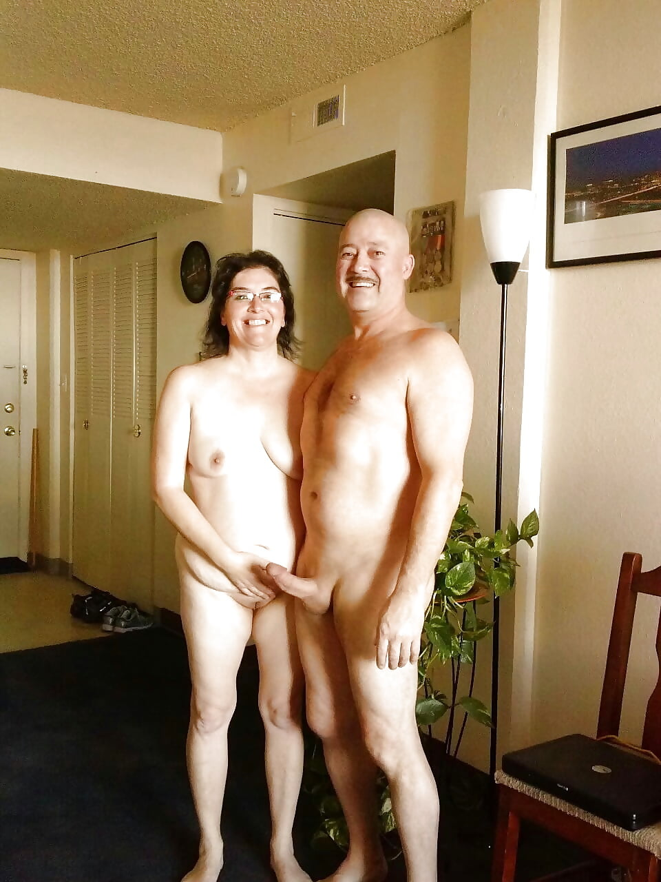randy-amateur-couples-photos