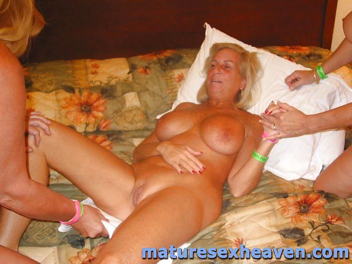 Hot granny swingers