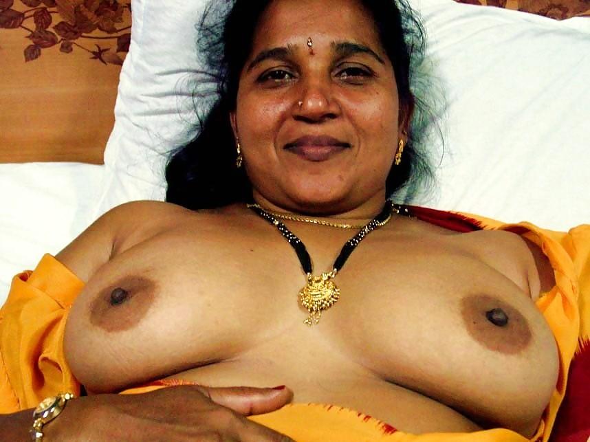 indian-mature-boobs