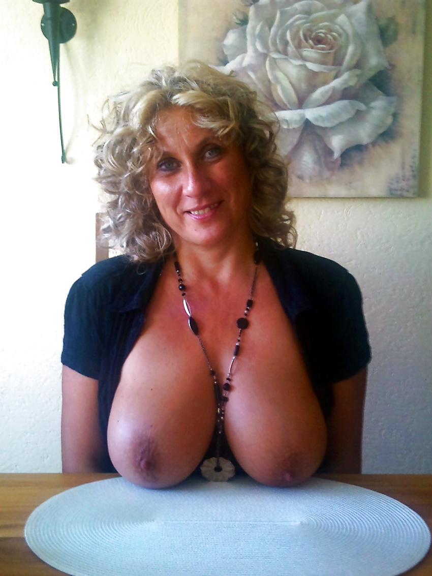 кто-то находит большие сиськи зрелых фото вк груди девушек моделей