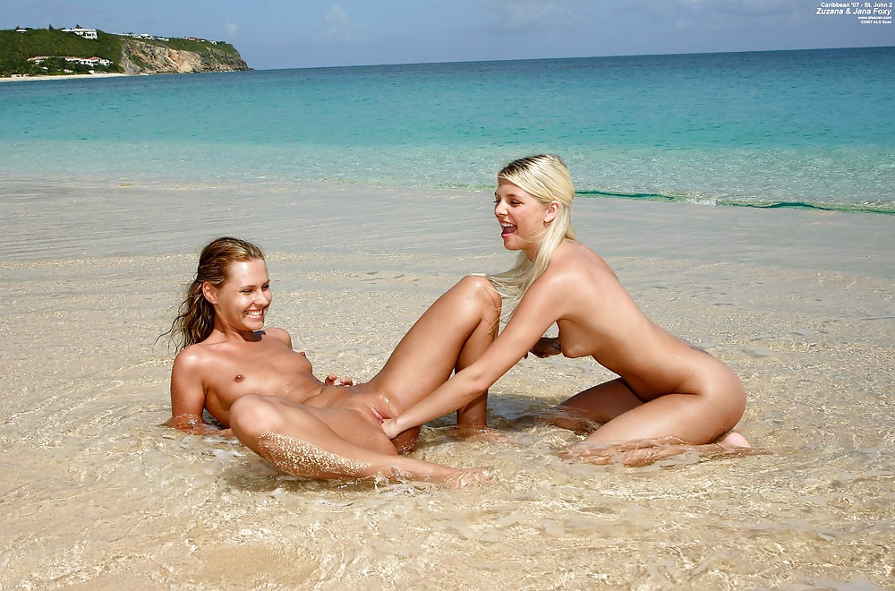 Naked Sexy Caribbean Women