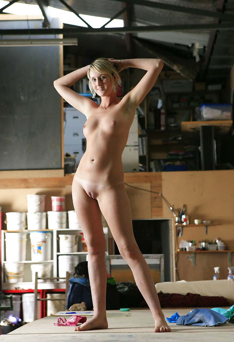 Pretty naked blonde women