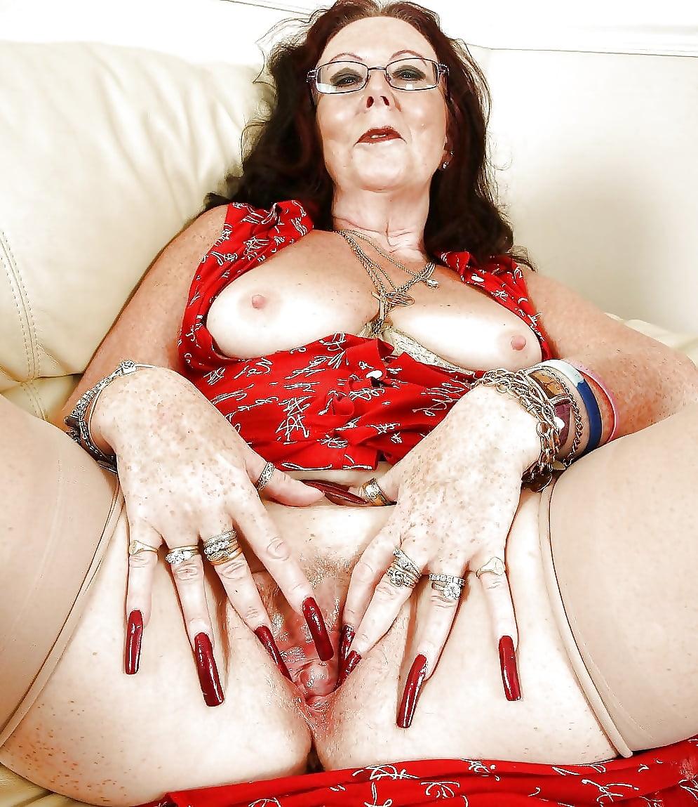 Porn pics of mature long nipples