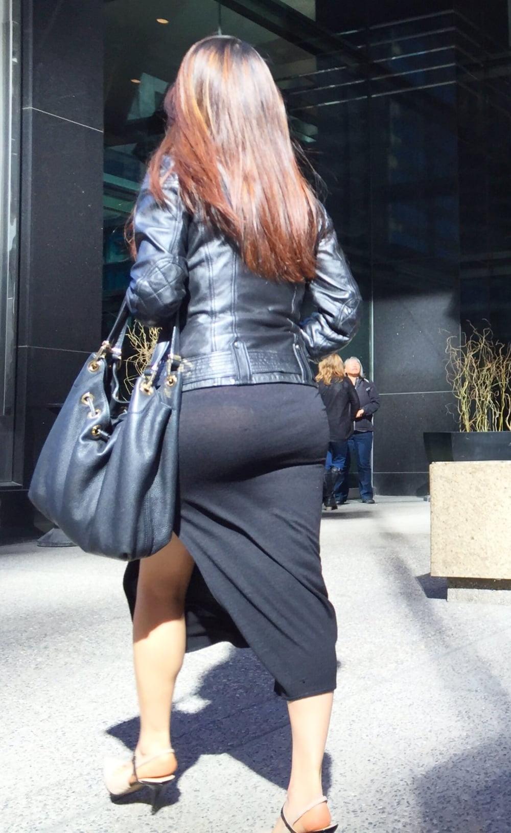Tight skirt voyeur