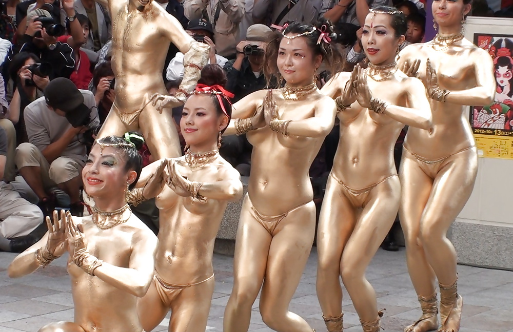 asian-nude-sexy-dancing-naked-blond-pictures